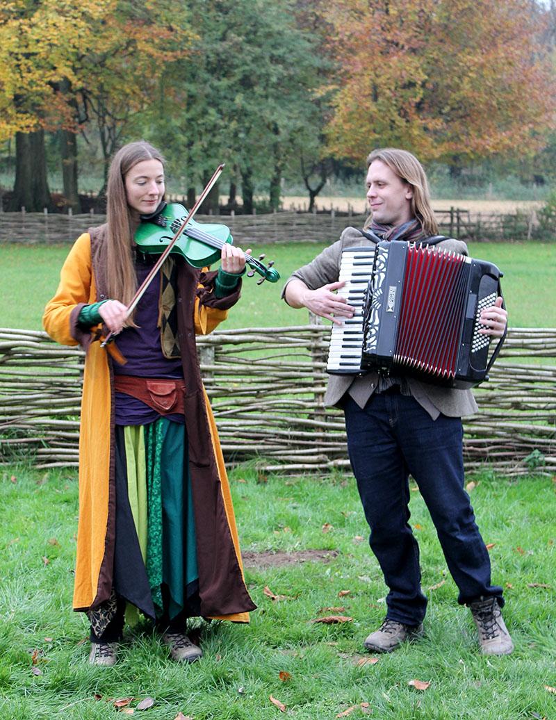 folk musicians christmas fair